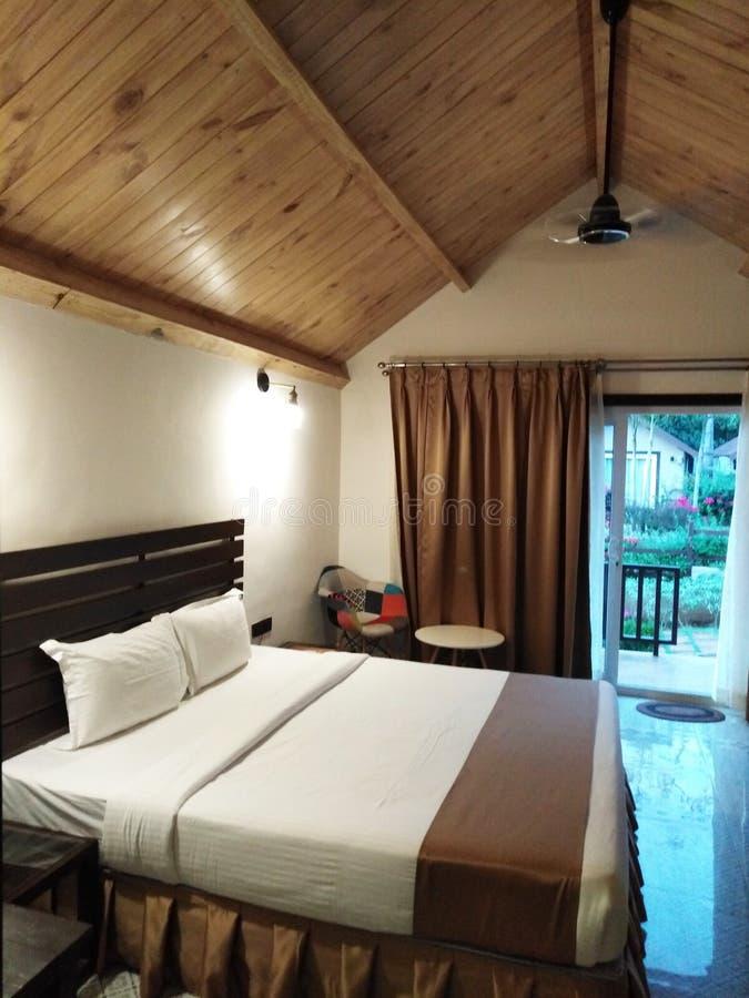 Hotelzimmer in Mandrem-Ashvem, Goa, Indien lizenzfreie stockfotos