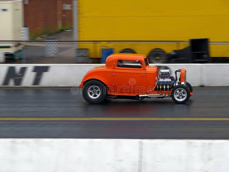 Hotrod anaranjado clásico imagenes de archivo