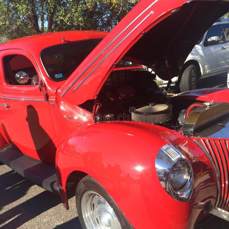 Hotrod rosso fotografie stock libere da diritti