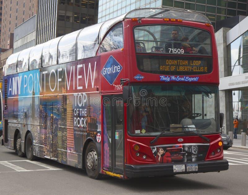 Houblon guidé de New York sur l'houblon outre de l'autobus à Manhattan image libre de droits