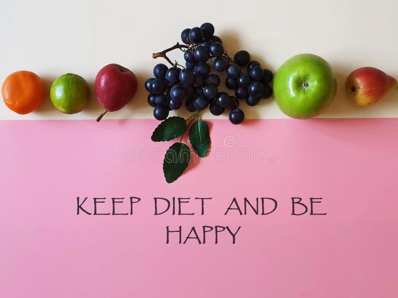 Houd Dieet en ben het Gelukkige Gezonde levensstijl Zoete Vruchten van het van Achtergrond Apple van de veganisteco conceptenstil stock fotografie