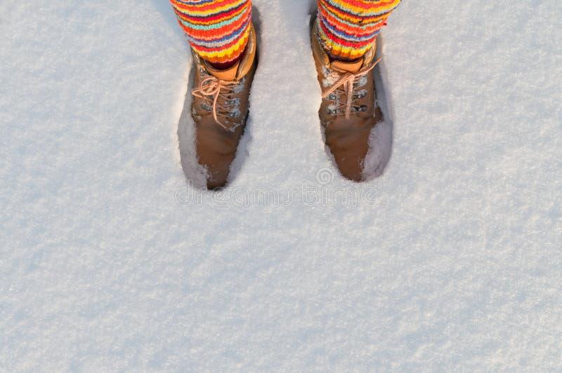 Houd voeten in de winter warm stock foto