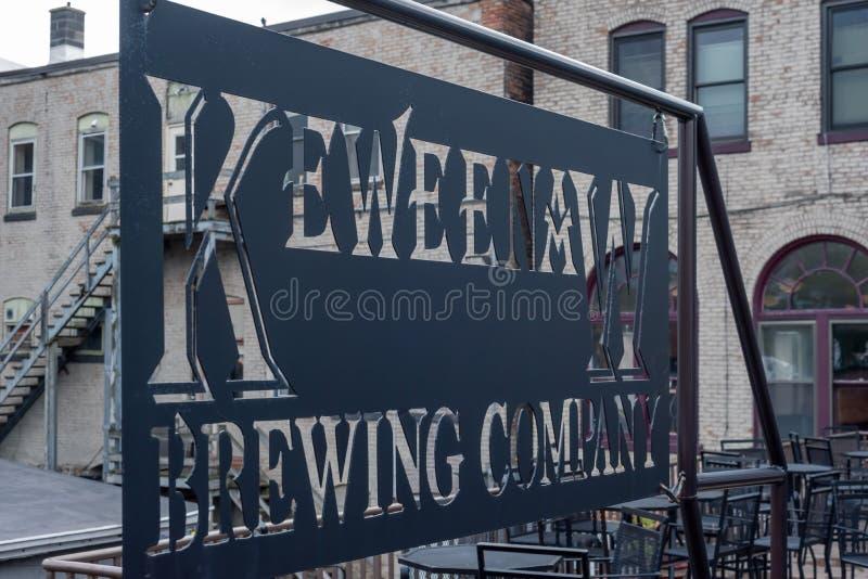 Houghton, MI/USA - 10-06-2018: Keweenaw Brewing Company openluchtterras stock fotografie