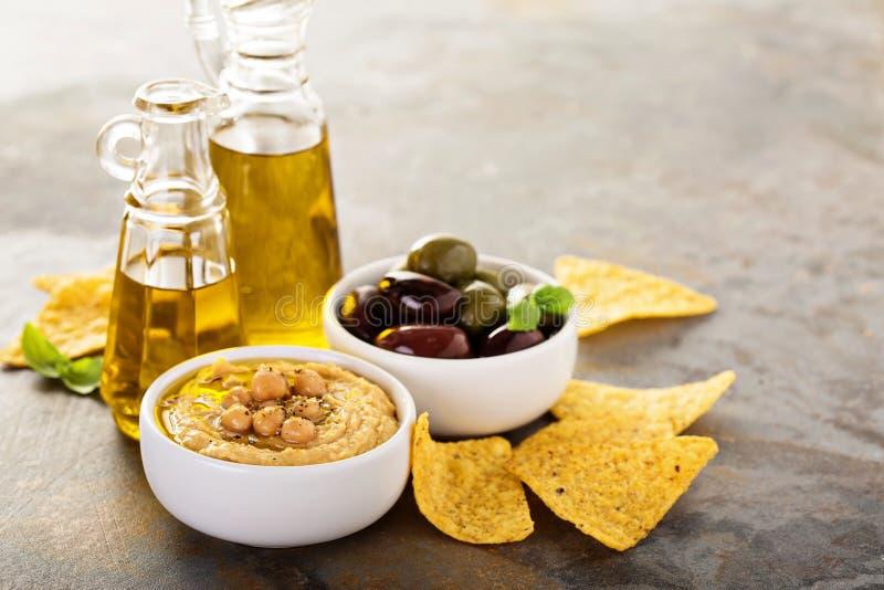 Houmous fait maison d'huile d'olive image libre de droits