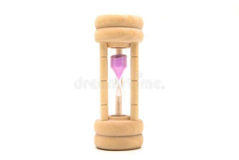 Hourglass, piaska szkło z drewnianym ciałem odizolowywającym na białym backgro zdjęcie stock