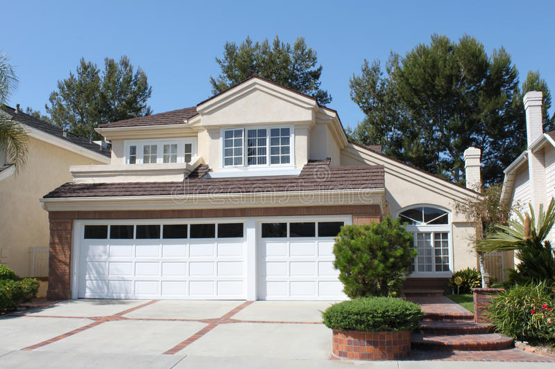 Download House 17 stock photo. Image of house, classic, suburbs - 14997698