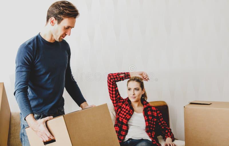 house att flytta sig som ?r nytt till arkivfoto