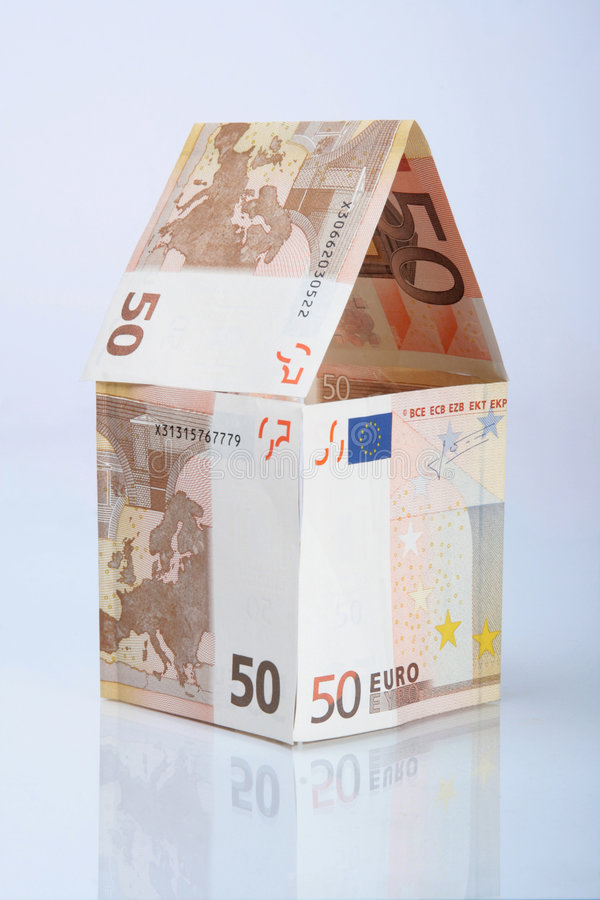 Free House Made From Euros With Reflection Royalty Free Stock Images - 6608269
