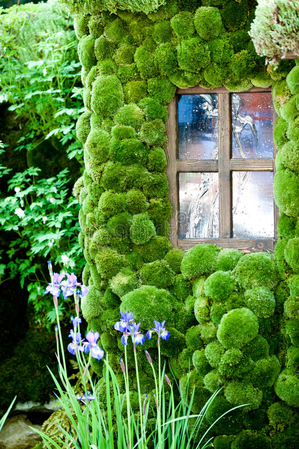 House With Moss Walls Close Up Royalty Free Stock Photos