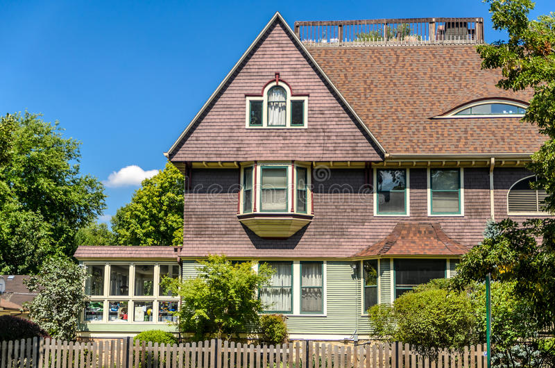 House in Oak Park. In a Sunny Day stock images