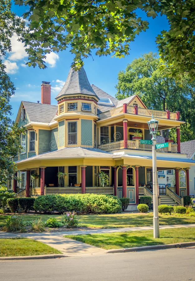 House in Oak Park. In a Sunny Day stock photos