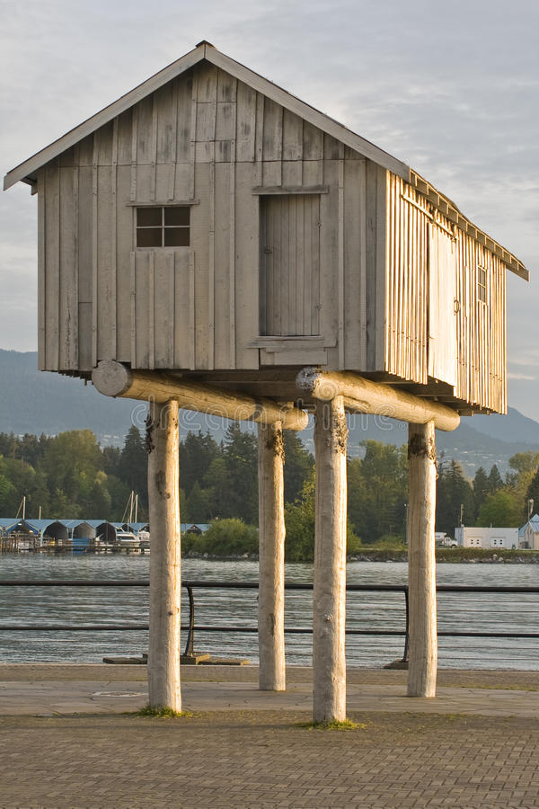 Free House On Stilts Royalty Free Stock Images - 24779589