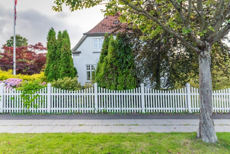house white royaltyfria bilder