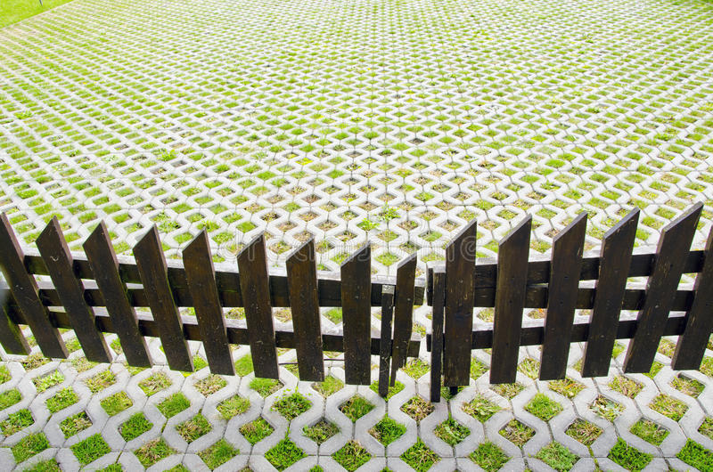 Download House Yard With Wooden Fence Stock Image - Image: 21692707