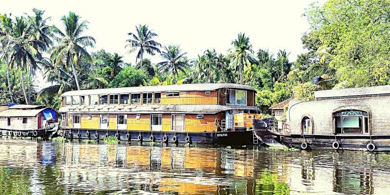 houseboat arkivfoton