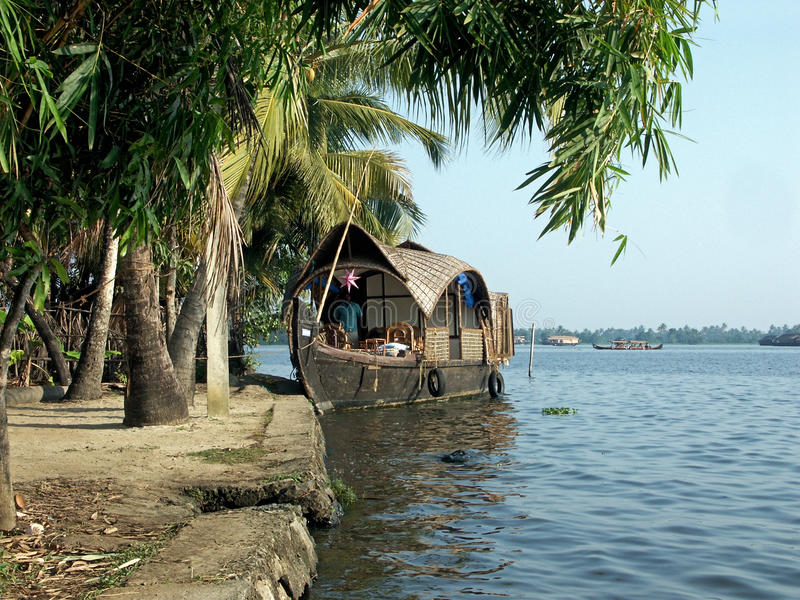 Download Houseboat Editorial Stock Image - Image: 28731984