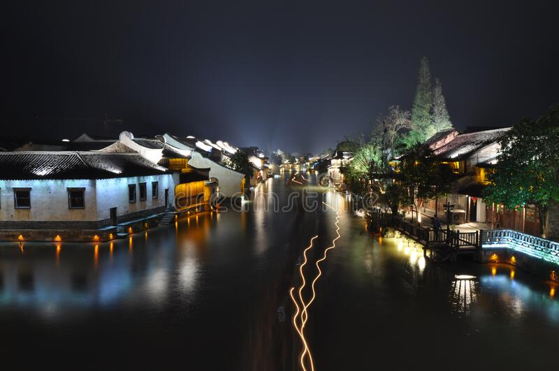 Houses Near A Body Of Water During Nigh Time Free Public Domain Cc0 Image