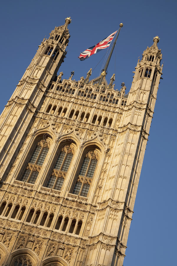 Download Houses Of Parliament With The Union Jack Flag, London Stock Image - Image: 28960357