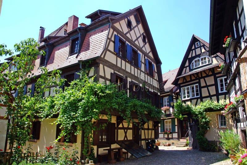 houses traditionellt arkivbilder