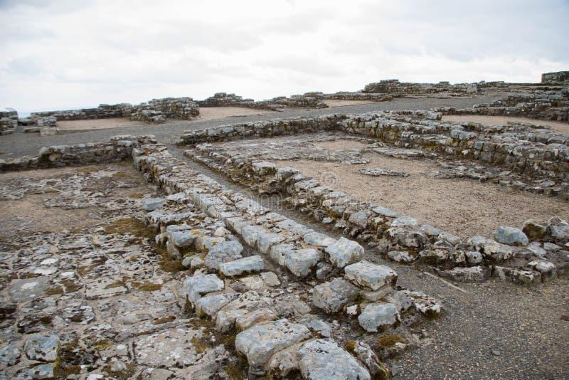 Housesteads Roman Fort, Hadrian& x27; parete di s immagini stock libere da diritti