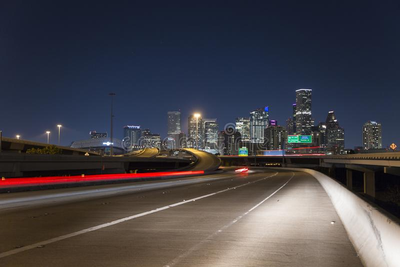 Houston autostrady nocy w centrum prędkość, bawoli zalewisko park zdjęcia royalty free