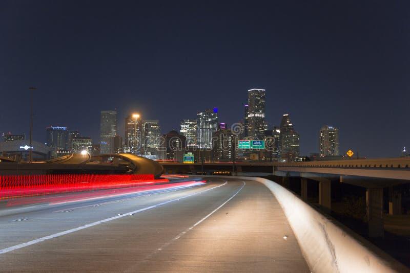 Houston del centro dall'autostrada senza pedaggio 10 immagine stock