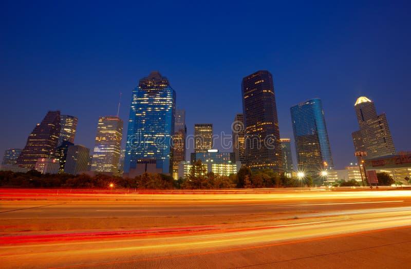 Houston i stadens centrum horisont på solnedgångskymning Texas royaltyfri foto