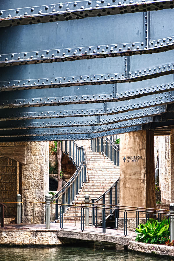 Houston Street Exit von San Antonio Riverwalk stockbild