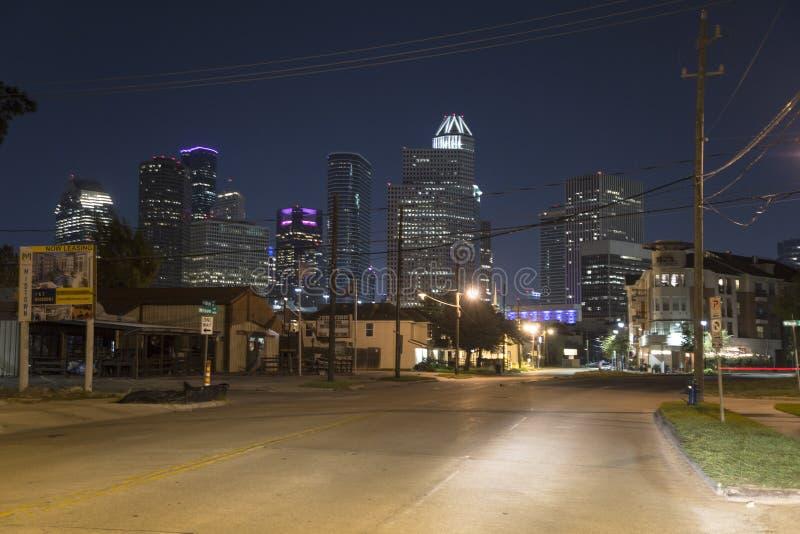 Houston van uit het stadscentrum bij nacht stock foto's