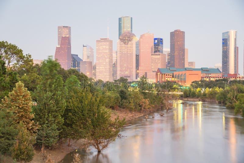 Houston zalewiska rzeki W centrum zmierzch obrazy royalty free