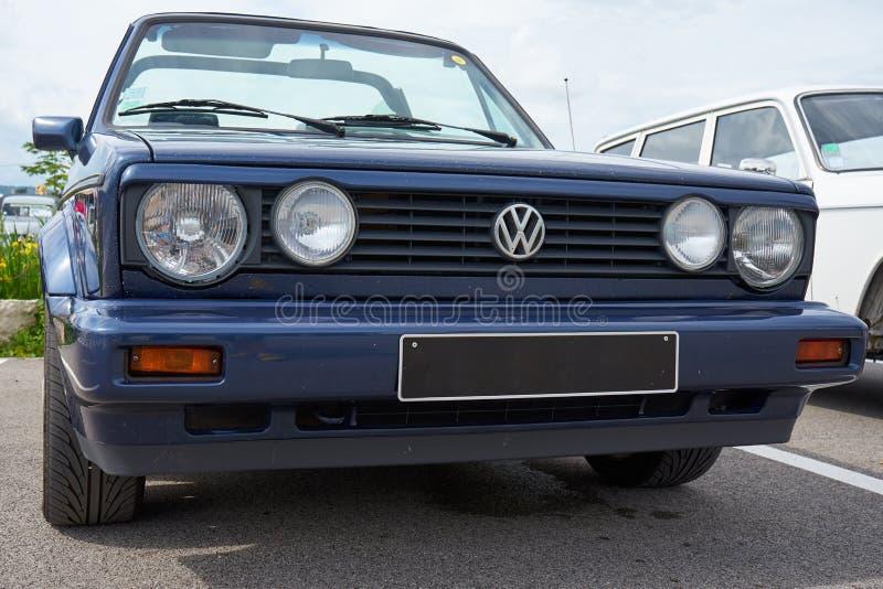 Houtaud/Franche Comté/France/giugno 2018: gli anni 80 Volkswagen blu fotografia stock