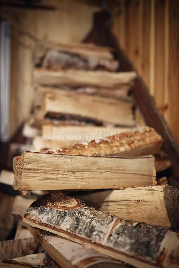 Houten Brandend Fornuis Brandhout voor oven het verwarmen Pakhuis voor royalty-vrije stock afbeelding