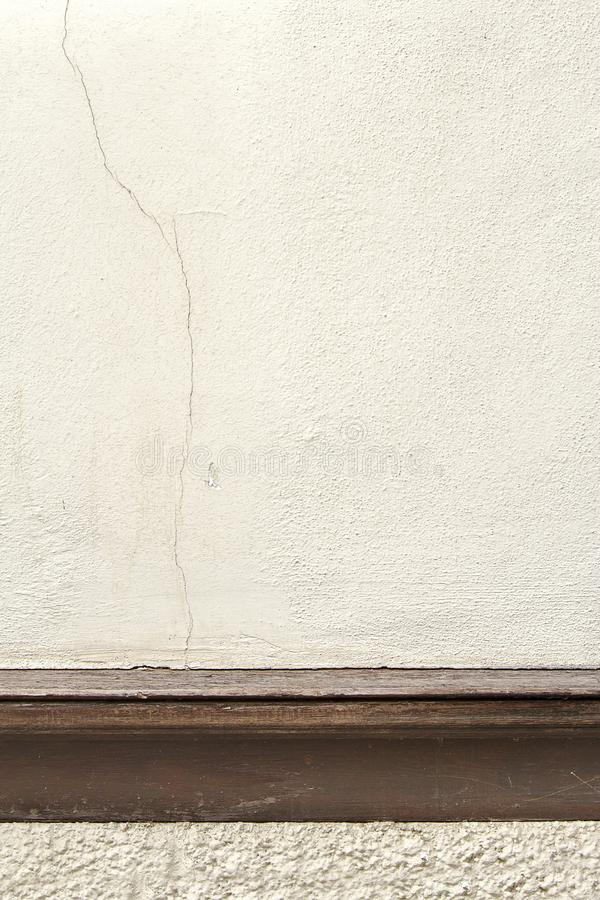 Houten concrete muurtextuur met latjes stock afbeelding