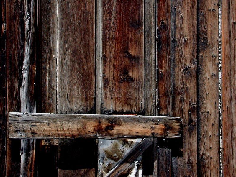 Download Houten deur stock afbeelding. Afbeelding bestaande uit aardachtig - 33013