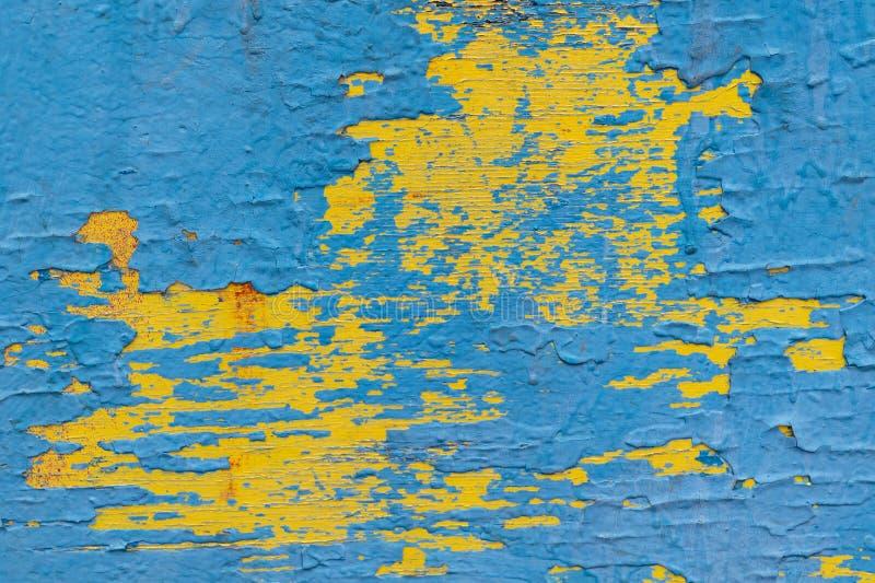 Houten die oppervlakte met verf in verscheidene lagen wordt geschilderd royalty-vrije stock foto's