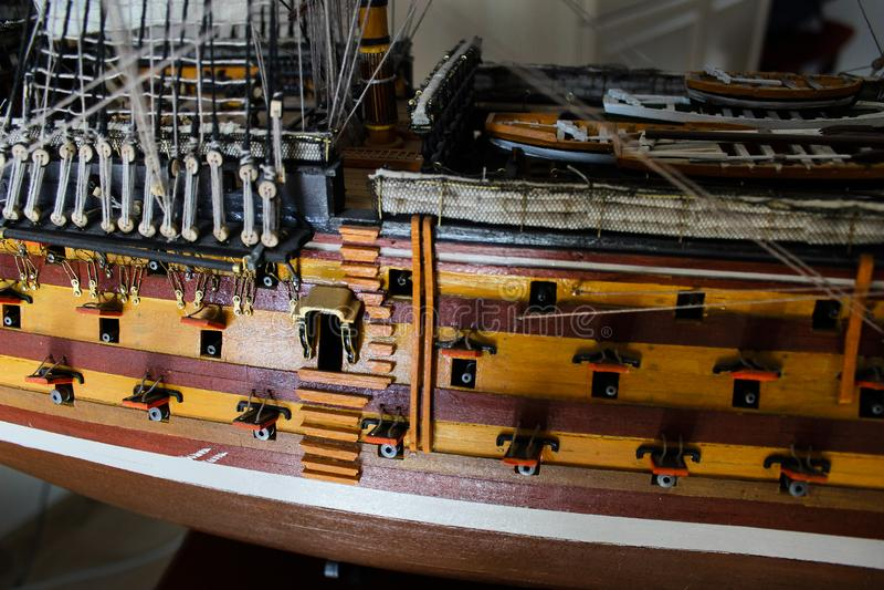 Houten die stuk speelgoed collectorschip in grootte wordt verminderd royalty-vrije stock fotografie