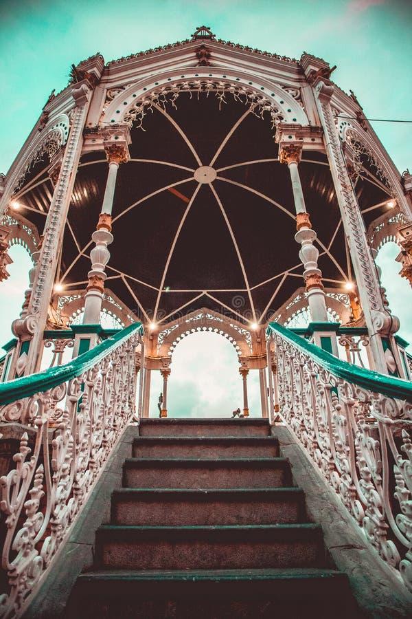 Houten gazebo in het adronadapark royalty-vrije stock foto