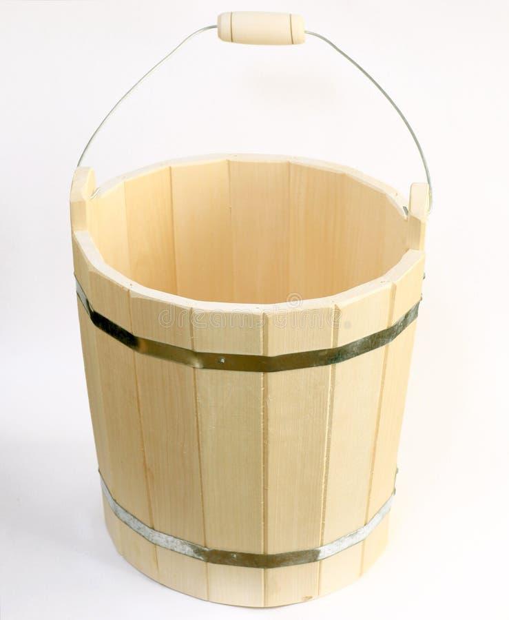 Houten gietlepel voor de sauna op een wit royalty-vrije stock fotografie