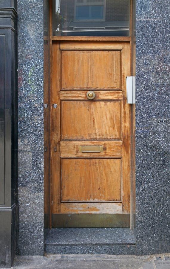 Houten ingangsdeur stock fotografie