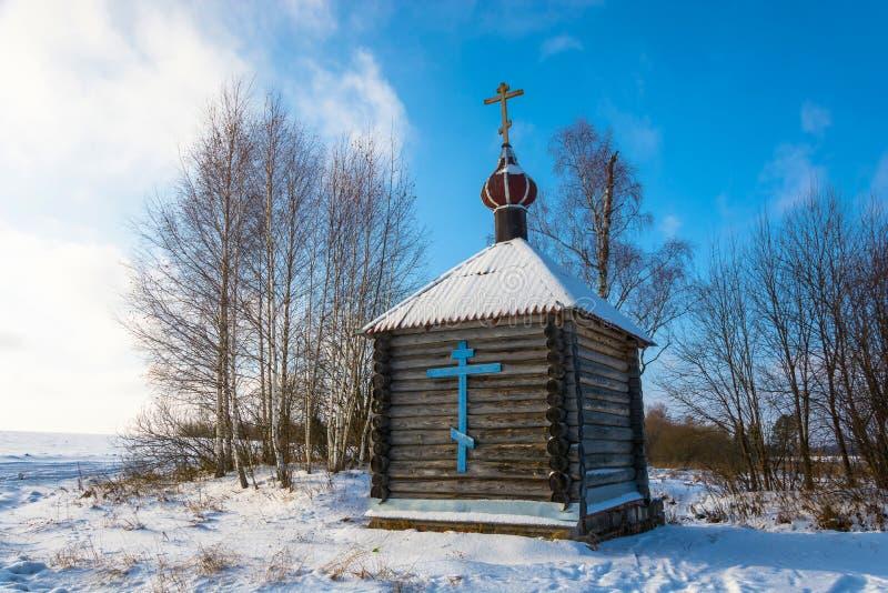 Houten kapel van de Heilige bron van het Tikhvin-pictogram van de Mot royalty-vrije stock fotografie