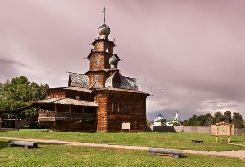 Houten kerk in Suzdal royalty-vrije stock afbeeldingen