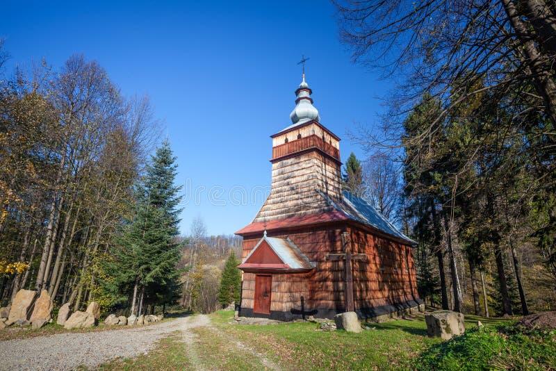 Houten kerk in Szymbark, Polen stock afbeelding
