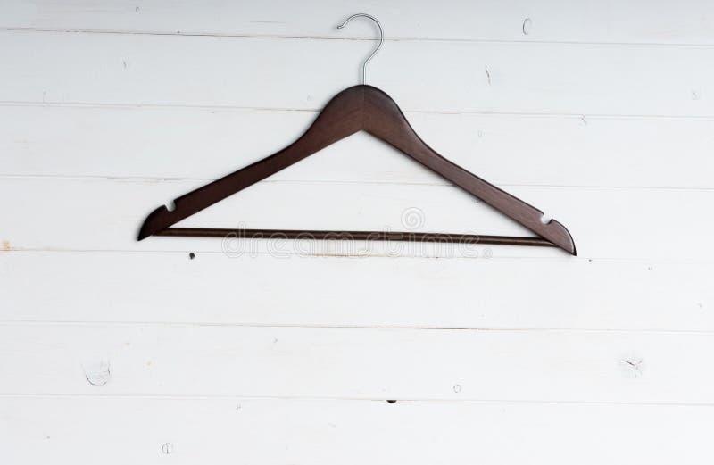 Houten kleerhanger stock foto's