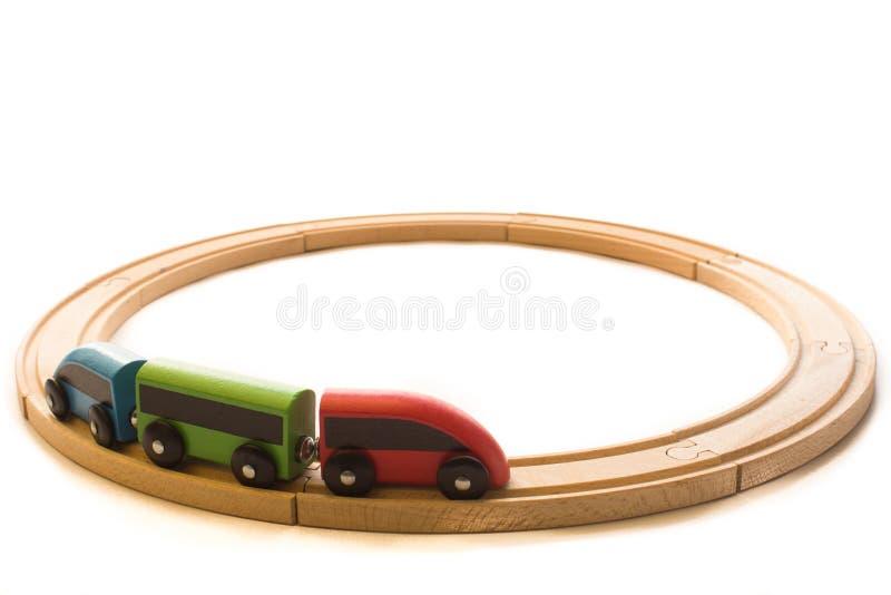 Houten kleurrijk speelgoed voor kinderen met trein en spoorwegweg stock afbeeldingen