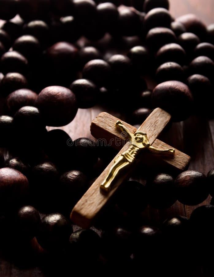 Houten kruis stock afbeelding