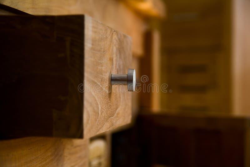 Houten meubilair stock afbeeldingen