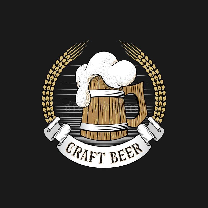 Houten mok bier met gerstoren Het embleem van de ambachtbrouwerij vector illustratie