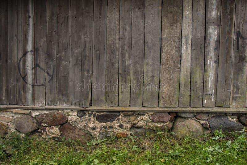 Houten Muur van Landelijk Huis voor Achtergrond en Textuur stock afbeelding