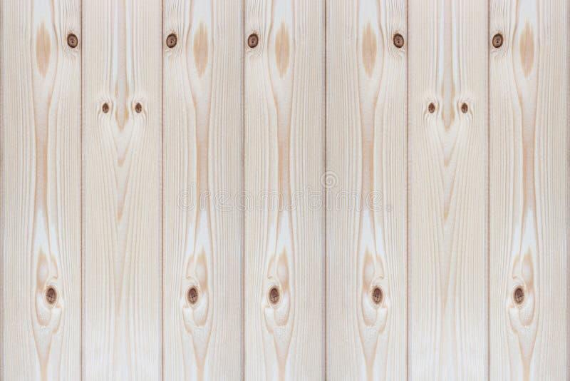 Houten omheining die van onbehandelde planken wordt gemaakt stock afbeelding