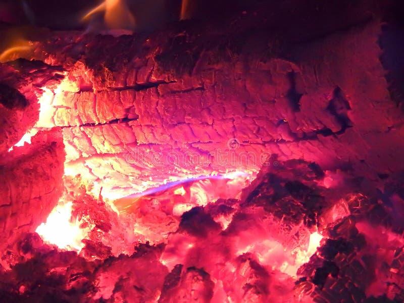 Houten ovenbinnenland in Zuid-Amerika stock afbeelding